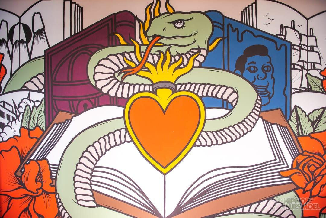 Muurschildering bij de bibliotheek in Delft