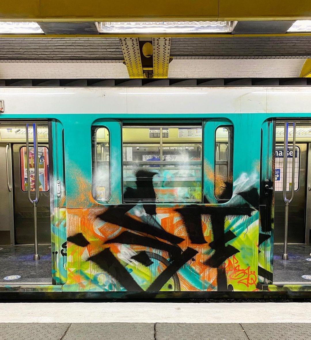 Loic Mondé - subway